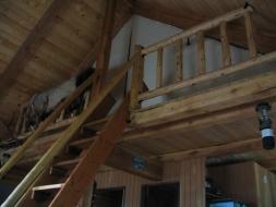 <h5>Cabin Loft</h5>