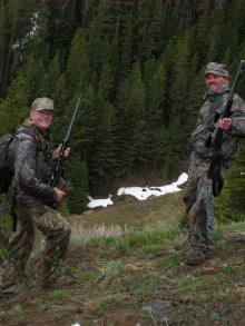 <h5>2007</br>Glen Catt & Bob Rice</br>Looking down</br>on Bob's harvest  </h5><p>5/8/2007</p>