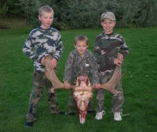 <h5>Z boys excited about Dad's moose!</h5>