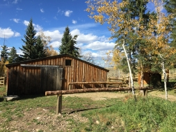 <h5>Hunting camp horse barn</h5>